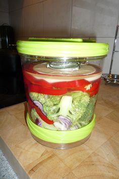 Fermenteren van zoete puntpaprika, rode ui, broccoli en knoflook. 10-2-2015