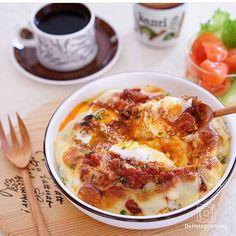 ouchigohan.jp 2017/01/16 13:34:10 delicious photo by @maca_ron5  寒い季節に食べたくなる😍@maca_ron5さんのミートドリア🍴✨こんがり香ばしい焼き色と卵の黄身がおいしさを引き立てていて、見てるだけでおなかが減ってきますよね(笑)👀💕ミートソースのリメイクでドリア、みなさんも作ってみてはいかがでしょうか🤗💕 -------------------------- ◆インスタグラムの食トレンドを発信する、食卓アレンジメディア「おうちごはん」も更新中✨ プロフィール欄のリンクから見れますよ https://ouchi-gohan.jp/ -------------------------- ◆このアカウントではインスタグラマーさんの素敵なPicをご紹介しています。 ハッシュタグ #LIN_stagrammer#delistagrammer #デリスタグラマー を付けて投稿してみてくださいね!…