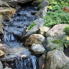 If you've been planning your ideal backyard, have you considered adding a stunning water feature? Head to REALTOR.ca Living Room for an inspiring plunge into the world of water features ⛲️