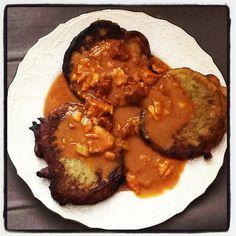 A takhle to dopadlo. Guláš s bramboráčky a là Shaana :-) - @shaana_cz- #webstagram