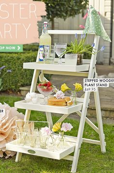 wooden steps garden table @handpickedcollection