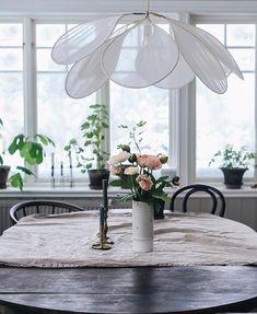 Beautiful Interior Design, Interior Design Tips, Beautiful Interiors, Diy Lustre, Diy Suspension, Diy Luminaire, Parisian Decor, Home Upgrades, Diy Projects To Try
