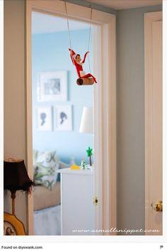 Elf on The Shelf Favorites. Elf on the Shelf ideas. Easy Elf on the Shelf ideas for toddlers. Fun Elf on the Shelf ides. Christmas Elf, All Things Christmas, Winter Christmas, Christmas Ideas, L Elf, Elf Auf Dem Regal, Do It Yourself Decoration, Awesome Elf On The Shelf Ideas, Elf Magic