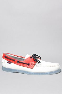 Sebago The Spinnaker Patriot Boat Shoe in UK Flag White Red : Karmaloop.com - Global Concrete Culture Casual Shoes, Men Casual, Sperry Boat Shoes, Uk Flag, Leather And Lace, Streetwear Fashion, Sperrys, Preppy, Street Wear
