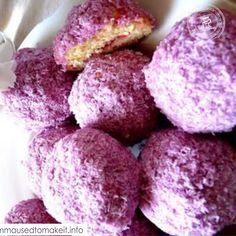 Snowballs are a soft sponge like cake coated in coloured pink coconut. Coconut Recipes, Tart Recipes, Oven Recipes, South African Recipes, Indian Food Recipes, Unique Recipes, Salted Caramel Fudge, Salted Caramels, How To Make Syrup