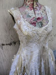 The Rebel Gypsy I like the diagonal stitches holding everything down Fashion Sewing, Boho Fashion, Fashion Beauty, Fashion Ideas, Altered Couture, Vintage Dresses, Vintage Outfits, Vintage Clothing, Dress Form Mannequin