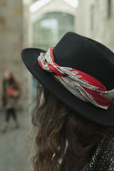 dress up a hat with a scarf