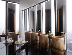 Luxurious Mid Century Modern interiors by Hirsch Bedner Associates   Vintage Industrial Style @Gail Regan Truax://vintageindustrialstyle.com/luxurious-mid-century-modern-interiors-by-hirsch-bedner-associates/