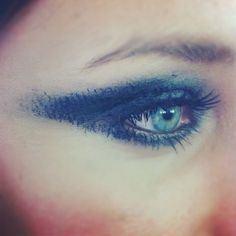 Eye Makeup I Demonstrated & Created today at my MUA Cosmetics Master class!     Today I had the chance to teach 12 talented makeup artists a Spring Summer 2012 beauty look from New York Fashion week I created at The Sergio Davila  show where I was key makeup artist, and then finally an Autumn Winter 2012 beauty look I learnt at London Fashion Week at a MAC Master class with Pablo Rodriguez learning an A/W12 beauty trend from the Stephane Rolland show.(The above picture was the inspired look…