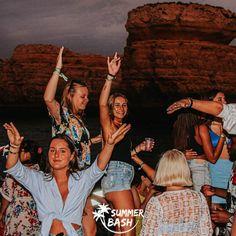 Zin in de vakantie van je leven? Samen met je vrienden feestjes bouwen, genieten van natuur & de gekste avonturen beleven. Met Summer Bash is alles mogelijk! En dit alles terwijl je veiligheid gegarandeerd wordt. Ben jij klaar voor de reis van je dromen? Wij alvast wel! Albufeira Portugal, Summer Bash, Everything