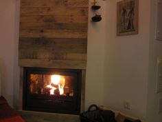 Fireplace Decor With Pallet Planks Pallet Walls & Pallet Doors 1001 Pallets, Recycled Pallets, Recycled Wood, Wood Pallets, Repurposed, Pallet Benches, Pallet Door, Pallet Walls, Pallet House