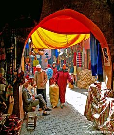 Marrakech, Morocco (المغرب‎/Maroc) One of my favorite countries that I have visited! Casablanca, Souk Marrakech, Places To Travel, Places To See, Naher Osten, Mekka, North Africa, Travel Inspiration, Beautiful Places