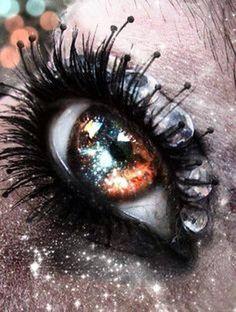 Galaxy - bilder - The Dallas Media Gorgeous Eyes, Pretty Eyes, Cool Eyes, Realistic Eye Drawing, Crazy Eyes, Aesthetic Eyes, Galaxy Painting, Look Into My Eyes, Human Eye
