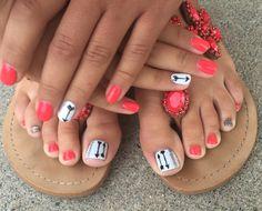 #pedicures #arrows #glitter #brightonbeautybar