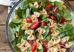 This Spinach Pasta Salad is a tangy, garlicky, peppery pasta salad that I can't seem to stop making and eating on repeat. The combination of crisp, fresh spinach with the chewy pasta and the tangy Pesto Pasta, Warm Pasta Salad, Pasta Salad With Spinach, Pasta Salad Recipes, Soup And Salad, Spinach Recipes, Vegetarian Recipes, Cooking Recipes, Healthy Recipes