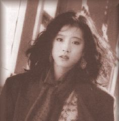 中森明菜 Akina Nakamori, 1980s Idolo Aesthetic Japan, Aesthetic People, Korean Aesthetic, Retro Aesthetic, Pretty People, Beautiful People, Pretty Photos, My Guy, Japanese Girl