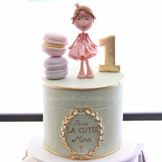 Ladurée cake close-up #mutludukkan #sekerhamuru #butikpasta #sugarart…