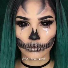 Creepy Halloween Makeup, Halloween Makeup Looks, Halloween Makeup Tutorials, Kids Zombie Makeup, Evil Clown Makeup, Voodoo Doll Makeup, Creepy Doll Makeup, Batman Makeup, Comic Makeup