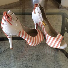 Dressbe | Peeptoe #shoes #moda #sapatos #peeptoe