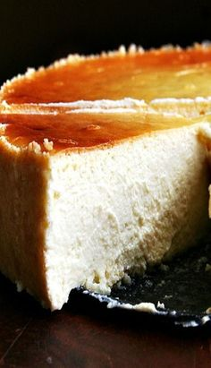 virtues of this silky lemon-ricotta cheesecake, made with both ricotta and mascarpone, are countless: it is super easy; it can be made a day in advance; it feeds many people; and people love it. This is perfect for Easter Sunday. Lemon Ricotta Cheesecake, Cheesecake Recipes, Italian Cheesecake, Ricotta Cheese Cake Recipes, Mascarpone Recipes, Coffee Cheesecake, Homemade Cheesecake, Lemon Cheesecake, No Bake Desserts