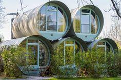 Glampingunterkunft Schweiz: SwissTubes auf TCS Camping Thunersee / Gwatt-Thun (Zentralschweiz) Glamping, Arch, Outdoor Structures, Mirror, Garden, Furniture, Home Decor, Europe, Travel Inspiration