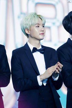 Beautiful hyung ❤