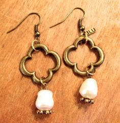 Blu Gertrude — Clover Earring with Pearl