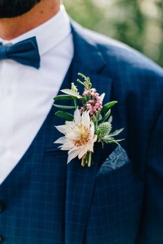 This wedding simply transforms one in its variety, the scenery and the decorative implementation. Corsage Wedding, Wedding Bouquets, Prom Flowers, Wedding Flowers, Flower Decorations, Wedding Decorations, Diy Wedding, Wedding Day, Flower Corsage