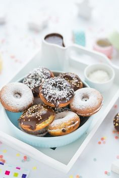 Bounty fánk recept Russel Hobbs, Cake Cookies, Doughnut, Donuts, Bakery, Sweets, Food, Frost Donuts, Beignets