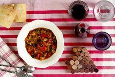 ¿Tienes ganas de comer un buen plato de verduras? Haz pisto manchego en tu Crock Pot y seguro que querrás repetir. Clean Recipes, Real Food Recipes, Healthy Recipes, Crock Pot Slow Cooker, Slow Cooker Recipes, Palak Paneer, Chana Masala, Curry, Easy Meals