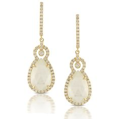 The incredible iridescent reflections and luster of white mother of pearl and front and center in the White orchid collection by Dove Jewelry. Set in 18kt. yellow gold and sparkling vanilla diamonds, a stunning array of pendants, earrings, and rings result in a fashion-forward, yet timeless look.