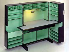 Sekretär mit linoleumbeschichteter Schreibplatte · Ausführung schwarz lackiert