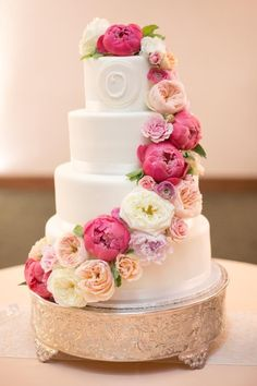 wedding cake idea; HOLLY GRACIANO PHOTOGRAPHY