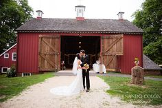 Real Wedding. Kelly and Mark, July 2012, Bayonet Farms. by Karma Flowers