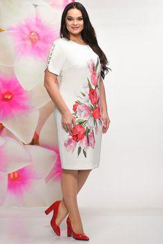 Short African Dresses, Short Gowns, Indian Dresses, Suit Fashion, Women's Fashion Dresses, Moda Floral, Floral Fashion, Fashion Design, Mode Glamour
