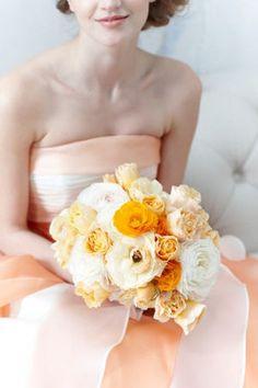 【実例集】黄色(イエロー)・オレンジ系のドレスにあわせるブーケ - NAVER まとめ