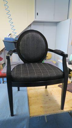 Neues aus unserer Polsterwerkstatt- auch schwarz kann schön aussehen