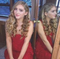 (Fc Willow shields and Amanda Steele) hi, I'm Hadley! I'm 16 years old and single! I'm mainly known as Primrose Everdeen! I will be on this season of DWTS. My partner is Mark Ballas! I'm one of 5 kids. Introduce!