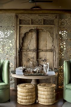 Antique Indian doors and wooden artefacts are great for interior home decor and also for outdoor decor. Indian Doors, African Interior, Indian Interiors, Global Style, Global Design, Home And Deco, Wood Doors, Reclaimed Doors, Bohemian Decor