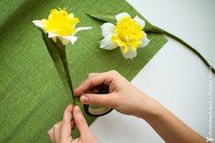Всем привет! Мир цветов продолжает меня вдохновлять! Когда я готовилась к мастер-классу и изучала  материалы по нарциссам, то удивилась их многообразию. Казалось бы, такой привычный нам цветок открылся с новой неожиданной стороны.   ...