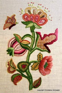 Crewel embroidery piece stitched by my student Christiane. Would you like to learn how to stitch like a pro? Then why not join me for an embroidery course. Details on: www.jessicagrimm.com.