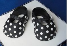 Hi, I'm pleased to announce that the Mary Jane sugar paste shoe is now back on sale! hese cute Mary Janes are just toe to heel, t. Shoe Template, Baby Co, Dad Baby, Fondant Baby, Fondant Cakes, Cake Piping, Cake Decorating With Fondant, Baby Girl Cakes, Cupcake Birthday Cake
