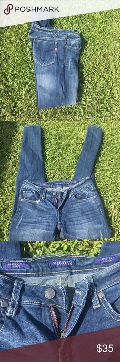 VIGOSS Skinny Jean Excellent condition. Skinny leg, too small for me after recent weight gain. Vigoss Jeans Skinny