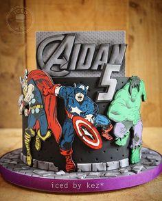 Avengers Cake ♦Iced by Kez♦ Avengers Birthday Cakes, Superhero Birthday Cake, 4th Birthday Cakes, Thor Cake, Marvel Cake, Captain America Birthday Cake, Cupcake Cakes, Cupcakes, Cake Icing