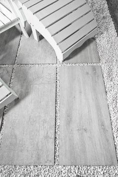 Feinsteinzeug Fliesen unverwüstlich in Holzoptik 2cm stark zur losen Verlegung in Splitt. Format 40x80 cm.