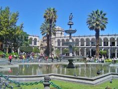 Reposting @treasuresoftraveling: #Arequipa's central plaza, which in Spanish is called La Plaza de Armas has a a nice fountain and absolutely beautiful #ColonialArchitecture! Check out these 5 #TreasuresOfTraveling found in Arequipa #Peru.