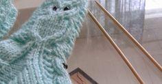 Jouluksi tein aikuisille useammatkin pöllöaiheiset villasukat, nyt on tullut kudottua useammat vauvan pöllövillasukat. Niitä on mukava kuto... Baby Knitting Patterns, Knitting Projects, Socks, Tejidos, Knitting Socks, Sock, Stockings, Ankle Socks, Knitting