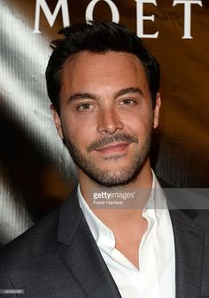 actor-jack-huston-attends-hfpa-annual-grants-banquet-at-the-beverly-picture-id483902950 (718×1024)