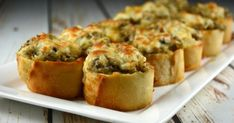 Crunchy Mushroom and Cheese Bites - Recipes - Ma Fourchette Pot Luck, Quick Appetizers, Appetizer Recipes, Baguette Appetizer, Bacon Fries, Stuffed Mushrooms, Stuffed Peppers, Cheese Bites, Appetisers