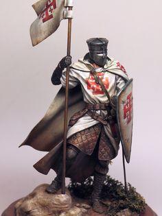 Knight of the Holy Sepulcher figure by Olga Zernina · Putty&Paint Knights Hospitaller, Knights Templar, Templar Knight Tattoo, Knight Models, Crusader Knight, Armor Clothing, Imperial Knight, Military Modelling, Viking Warrior